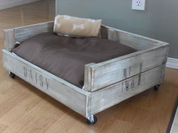 wooden-pallet-dog-bed
